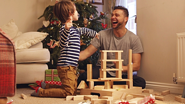 Don't Be Disney Dad This Christmas: BePresent